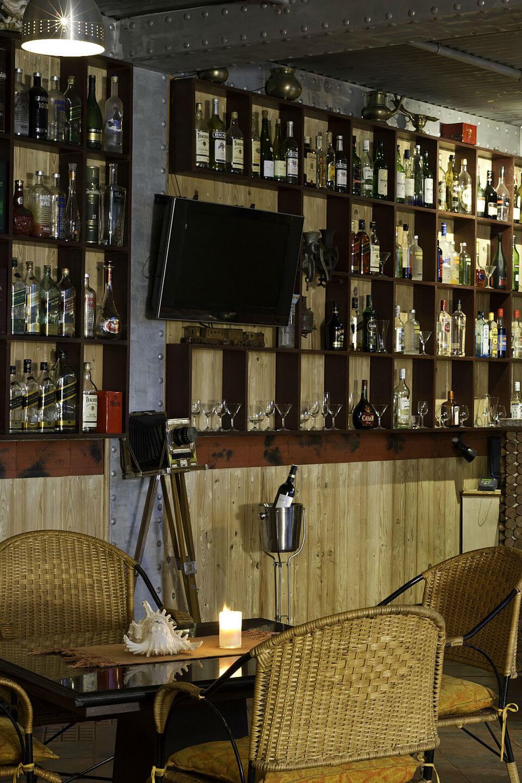 Resorts with bar in Kanyakumari