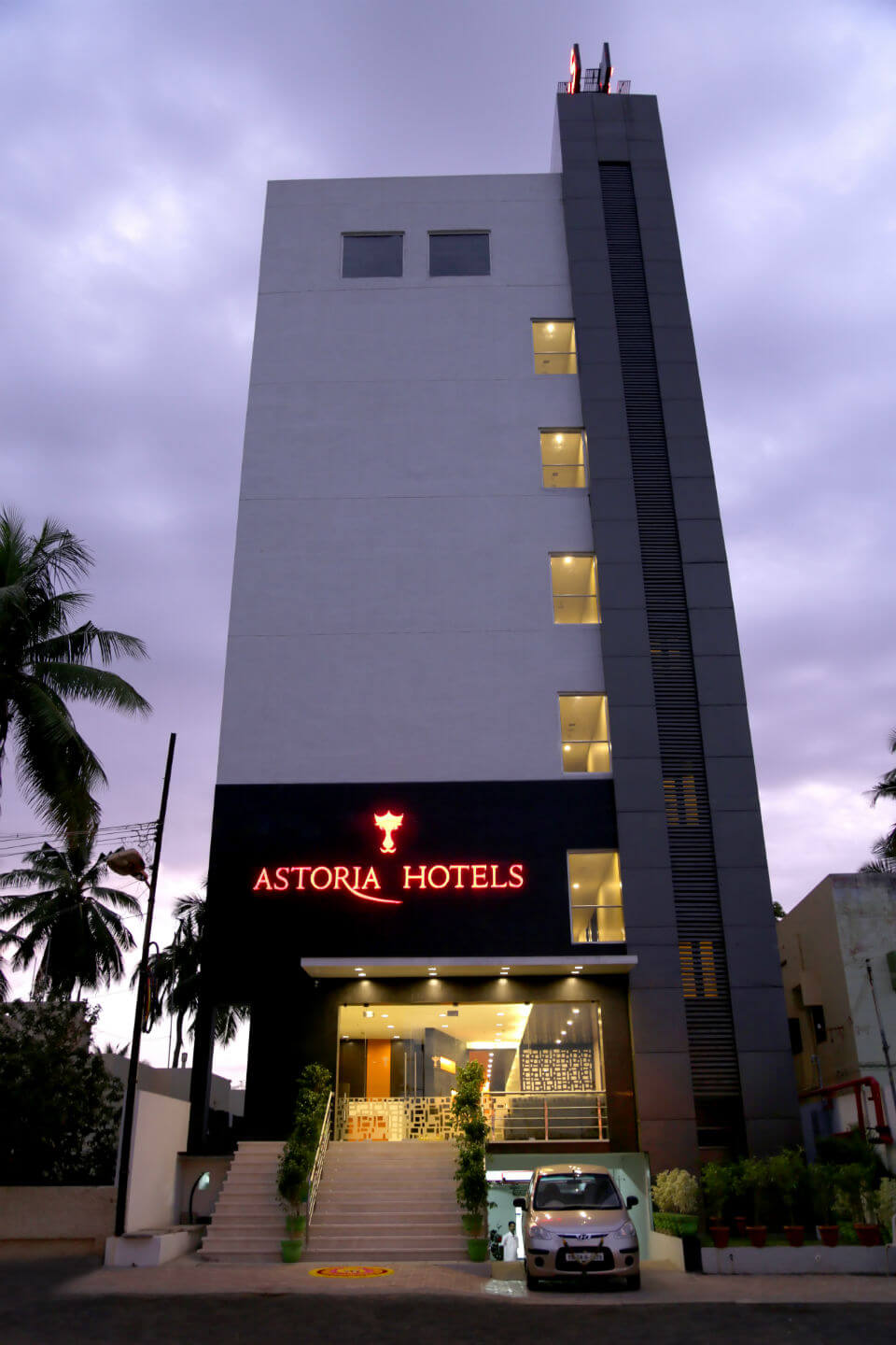 Astoria hotels service