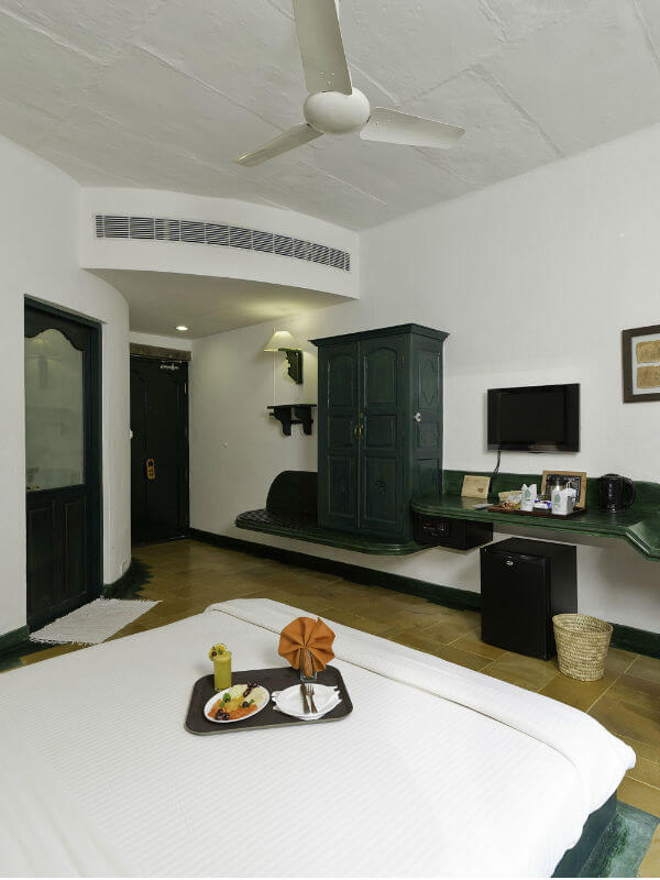 hotels with deluxe room tiruvannamalai1